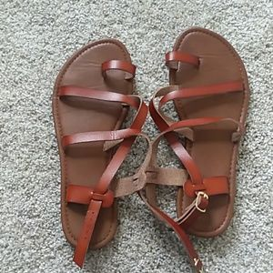 Shoes - Brand new sandals size 7/8